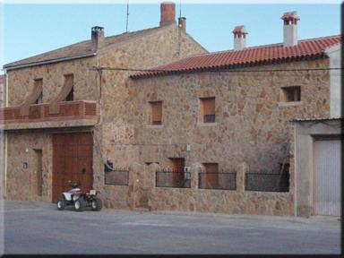 Web de la casa rural cerro moreno en villarta cuenca - Fachadas casas de pueblo ...